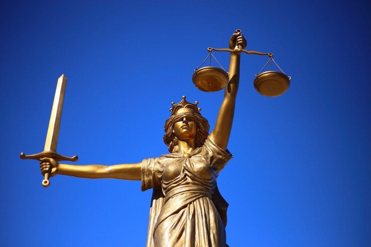 W czym potrafi nam pomóc radca prawny? W jakich kwestiach i w jakich sferach prawa wesprze nam radca prawny?